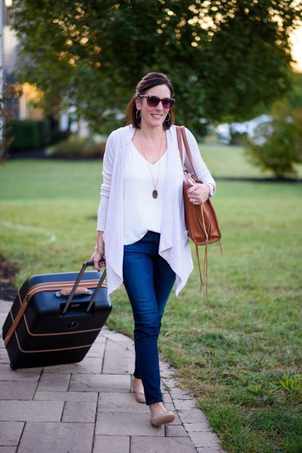 51 Fall Travel Outfit Ideas For You Who Always On The Go (48)