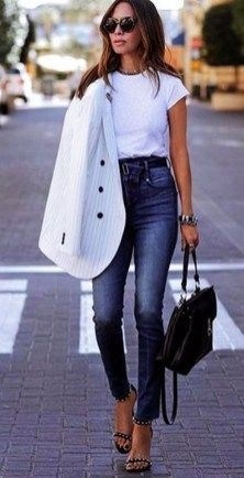 51 Good Inspiration Casual Outfits for Beautiful Women (17)