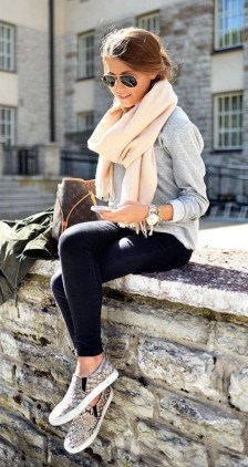 51 Good Inspiration Casual Outfits for Beautiful Women (2)