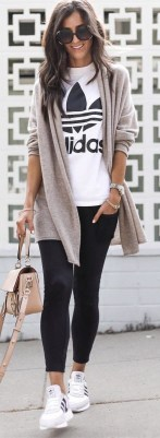 51 Good Inspiration Casual Outfits for Beautiful Women (21)