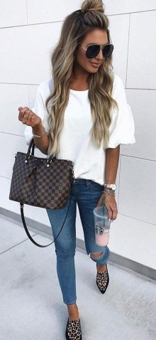 51 Good Inspiration Casual Outfits for Beautiful Women (49)