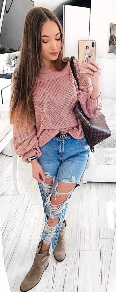 25+ Brilliant Summer Outfits To Copy ASAP - pink sweater #summer #outfits #summeroutfits #summerfashion #summerstyle