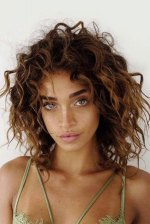 25 Hairstyles for Short Curly Hair