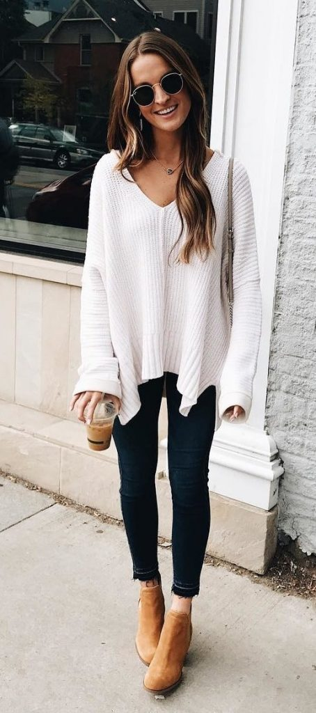 / White Knitted Tunic - Beige Booties