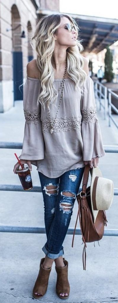 #fall #outfits / Heel Booties - Beige Tunic