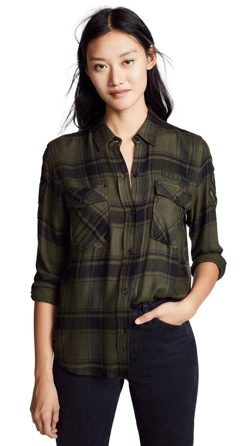 Simple-long-plaid-shirt-with-blue-jeans