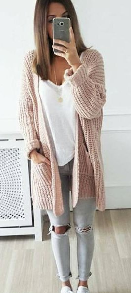 #fall #outfits / Blush Knitted Cardigan - Ripped Jeans
