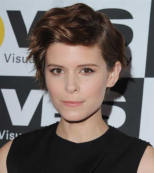 Celebs with Short Hair Cuts-16