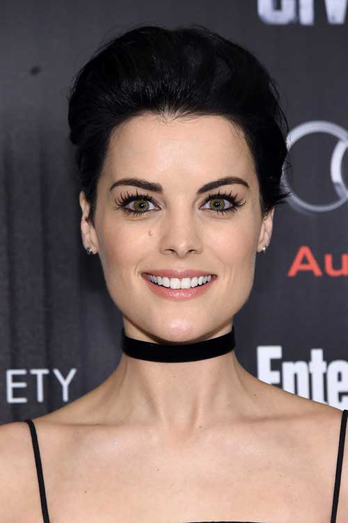 Celebs with Short Hair-18
