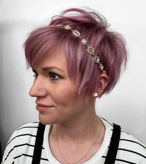 Modern Pink Short Haircuts for Women-13