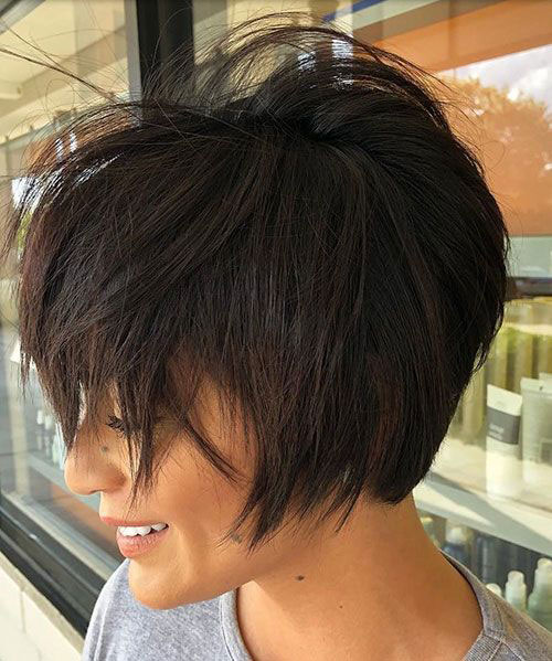 Short Messy Haircuts for Women with Thick Hair-14
