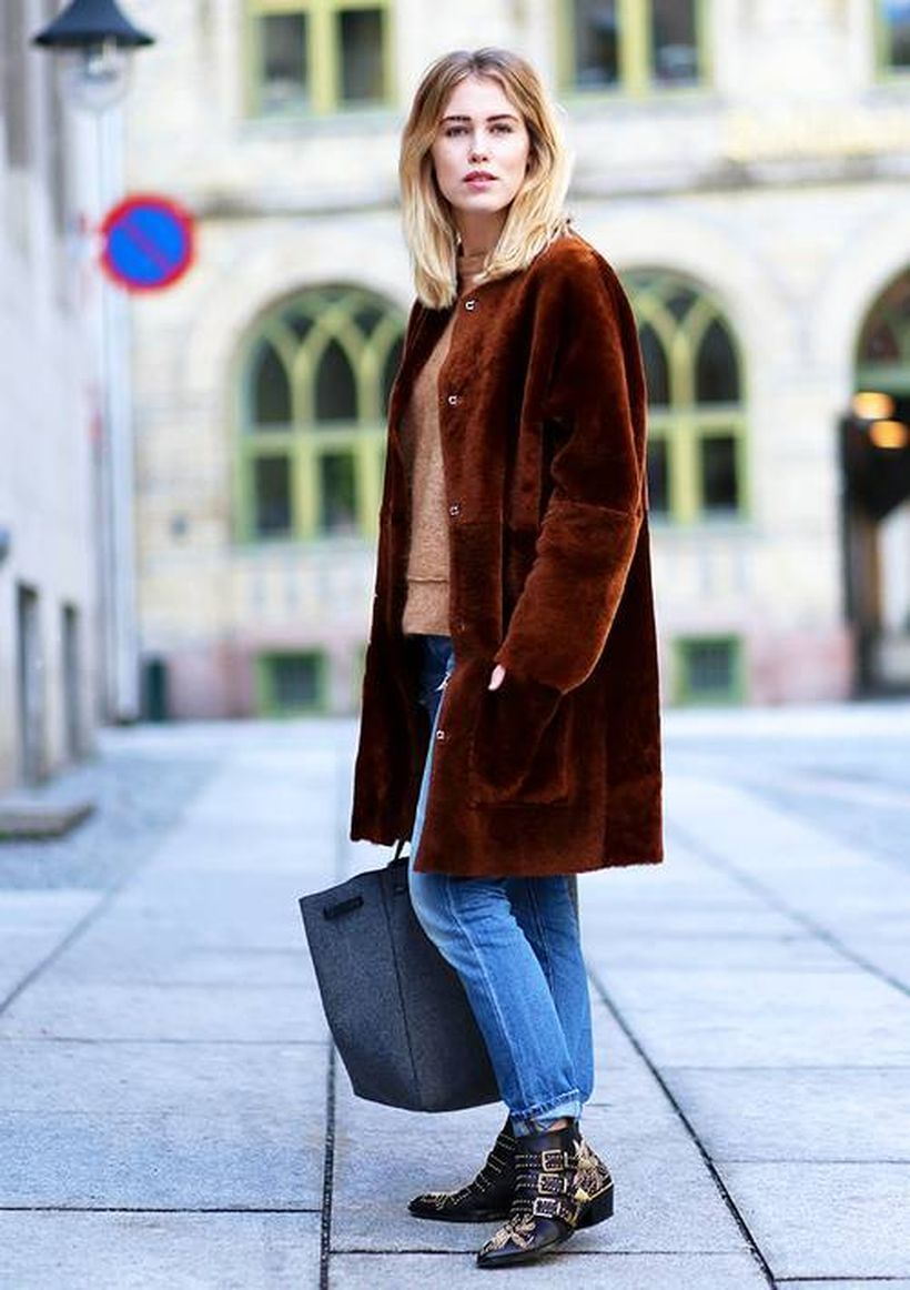 Beige-blouse-and-velvet-overcoat