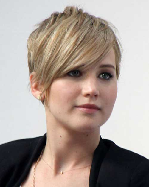 Celebs with Pixie Cuts-6