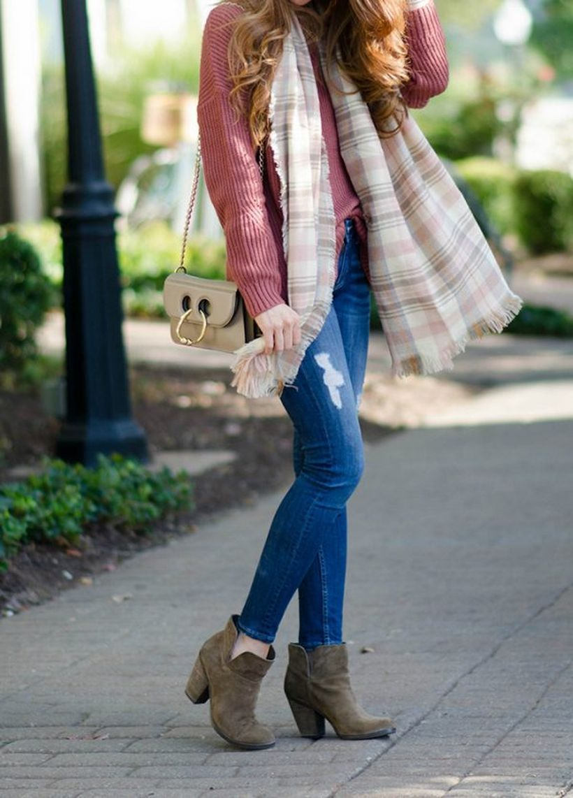Sweater-wheater-and-skinny-jeans.-