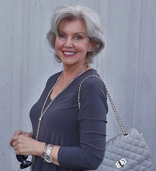 Best Short Haircuts for Older Women-13