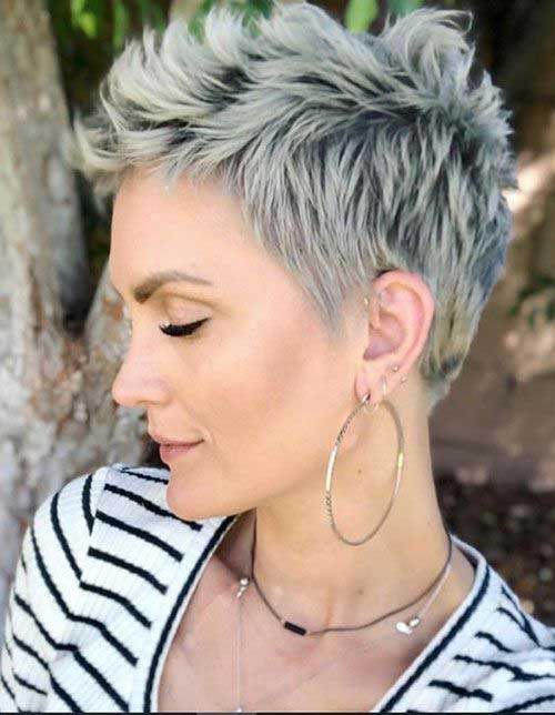 Short Pixie Haircuts for Women Over 50-7