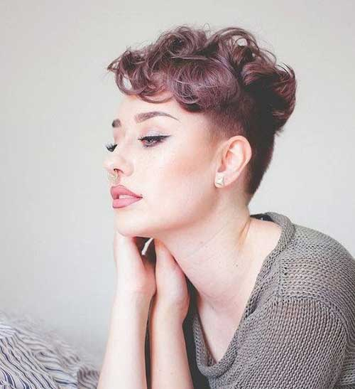 Short Haircuts for Wavy Hair-16