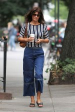 50 Elegant Summer Outfits Ideas For Women Over 40 Years Old