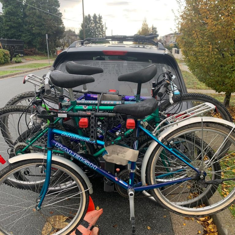 migrant - bikes van