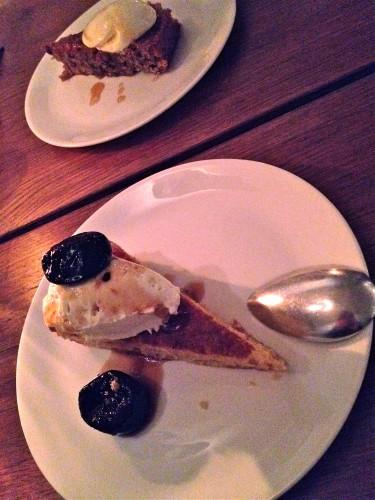Polentataart en pecantaart bij Restaurant As, Amsterdam