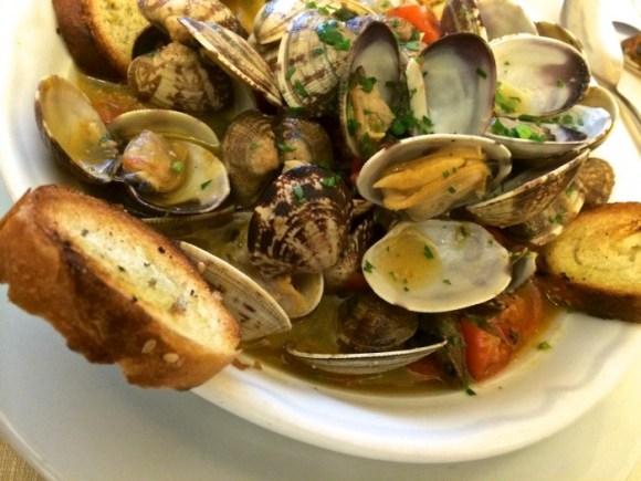 Dankzij de Slow Food app: soep met vongole bij Il Maestro del Brodo in Palermo