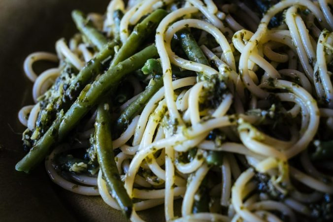 Spaghetti met pistou en sperziebonen