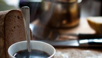 Continentaal ontbijt met koffie