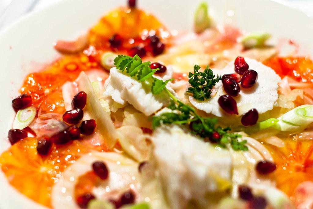 Salade van venkel, sinaasappel en zeeduivel