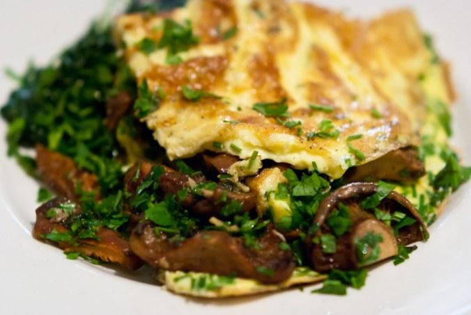 Lactarius deliciosus, oftewel smakelijke melkzwam in een omelet.