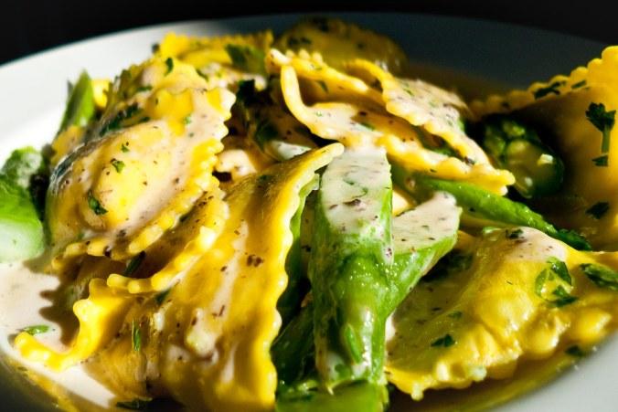 Ravioli gevuld met tuinbonen en pecorino - van Foodware
