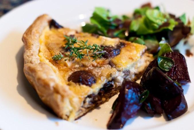 Ottolenghi's taart van gekarameliseerde knoflook.