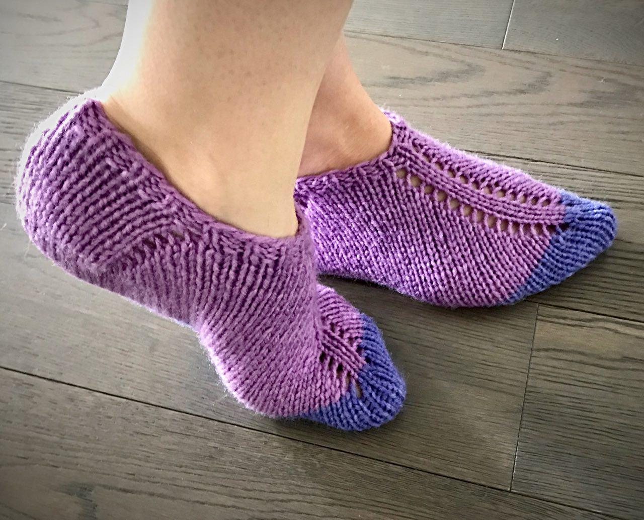 Knitting Easy Slippers : Super easy knit and felt slippers u tutorial nicnacnoo