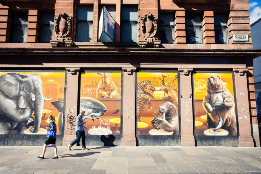 Animals in the Pub - a mural along the City Centre Mural Trail filled with street art in Glasgow.