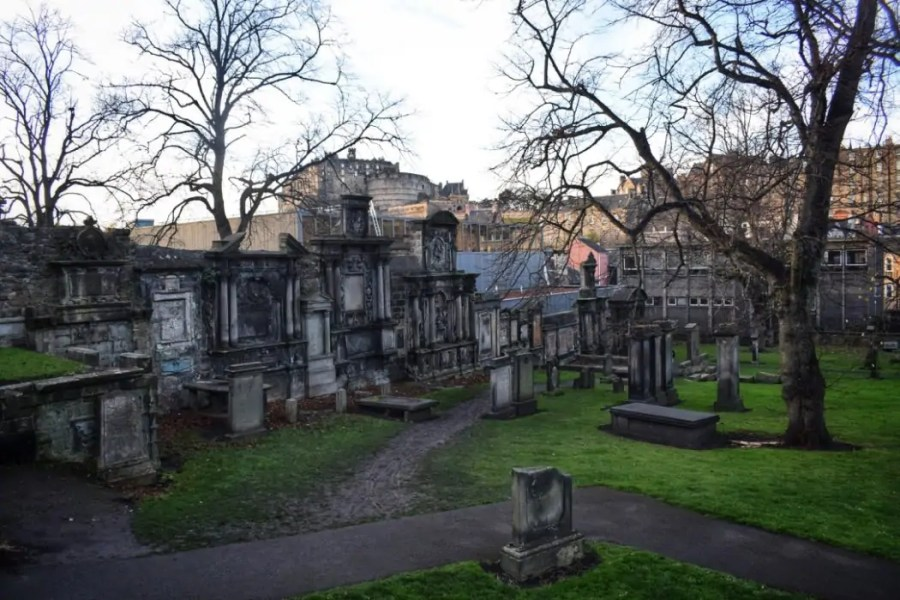 Greyfriars Kirkyard Ghost Tour Edinburgh with City of the Dead