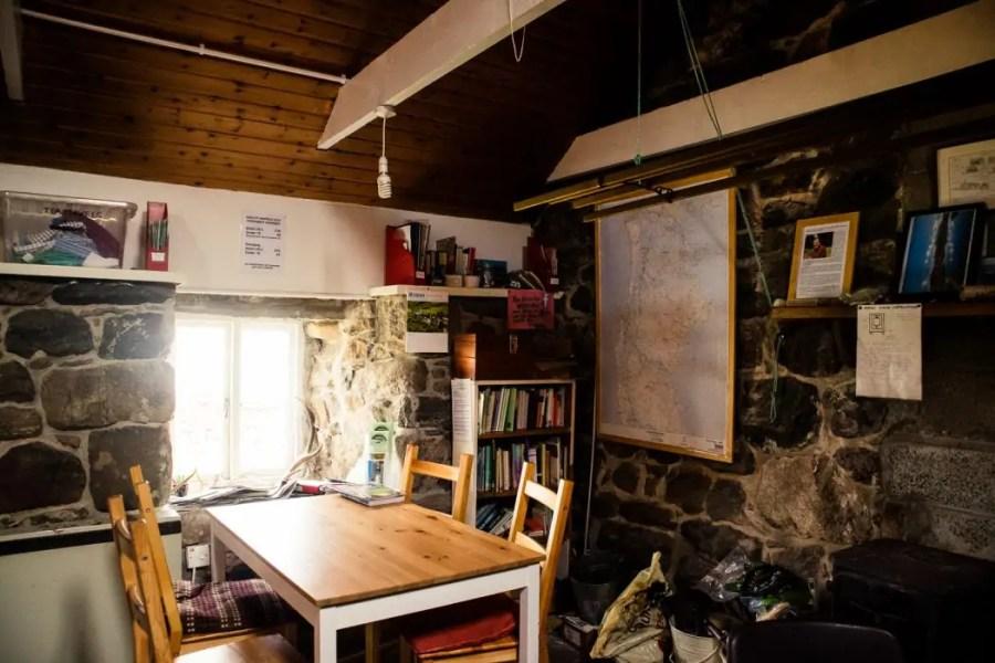 Howmore Gatliff Hostel community room.