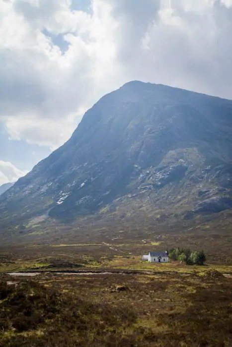 Lagangarbh hut at the foot of Buachaille Etive Mòr.