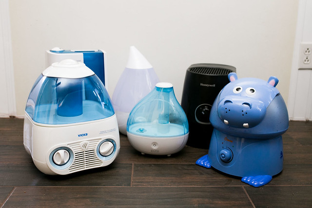 what is best for dry - eyes humidifier or vaporizer?