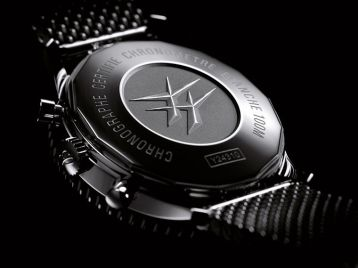 Breitling Chronoliner chronographe metal verso
