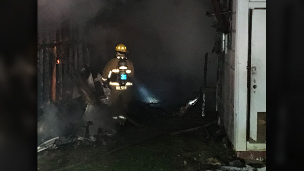 Andersonville_mobile_home_fire_2