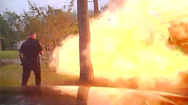 VIDEO__Gas_line_explosion_in_Texas_caugh_0_20180418201144-794298030