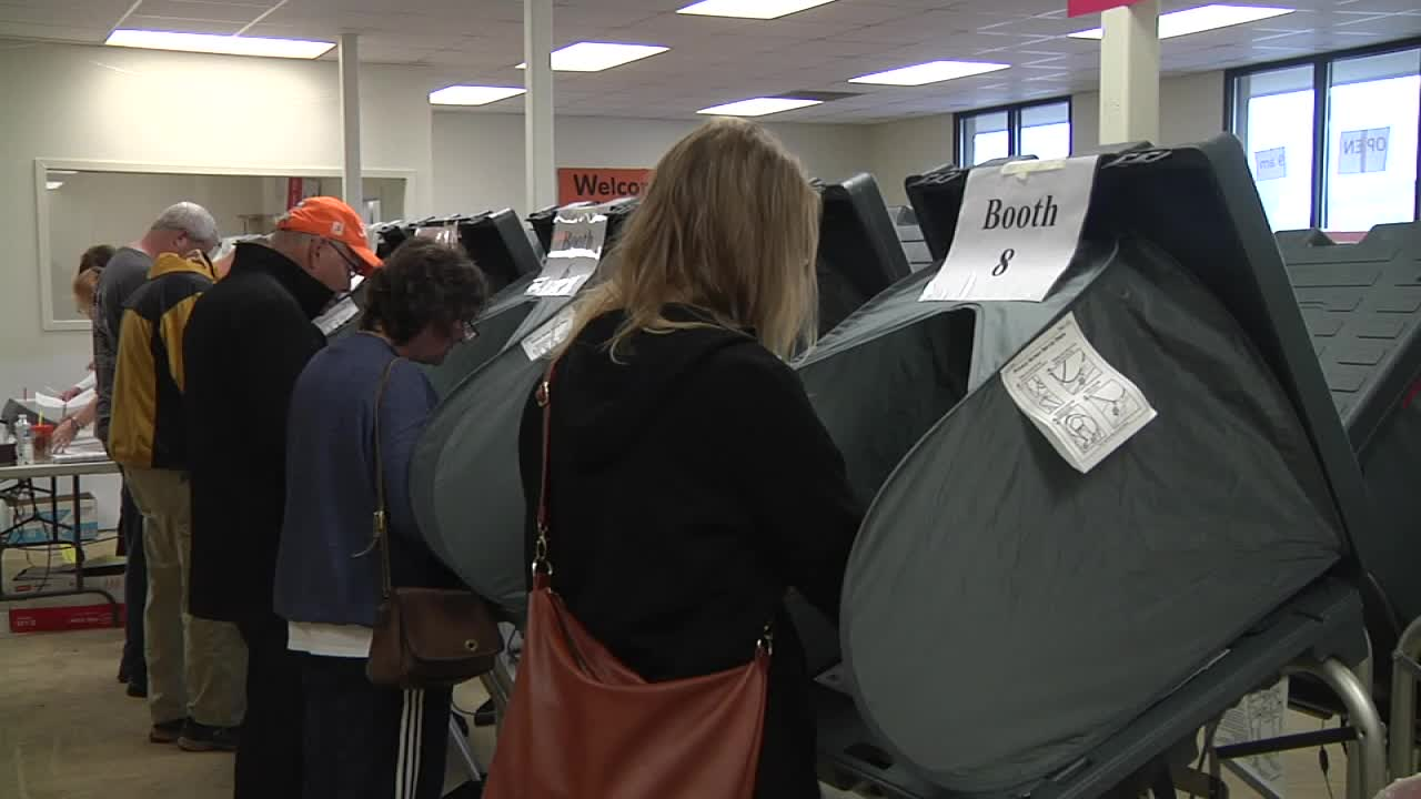Early voting Knoxville_188133