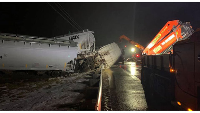 Train car derails near Oregon_1551021488376.jpg.jpg