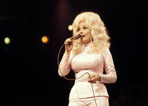 Dolly Parton 36-873703986