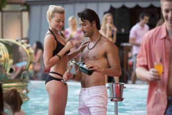 Margot Robbie and Rodrigo Santoro have more chemistry than Robbie and Smith.