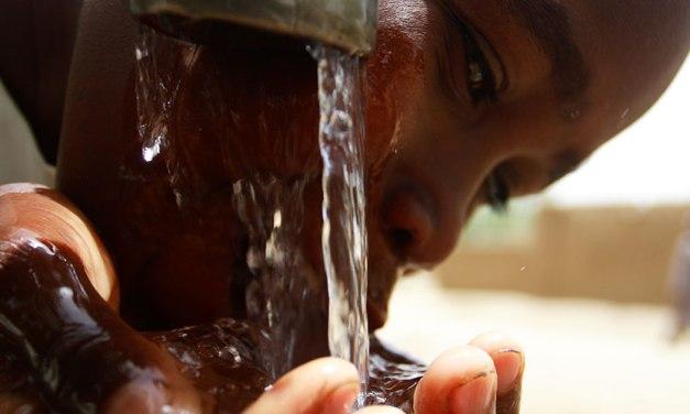 """""""We are Water"""" fondation: ridistribuzione delle risorse idriche"""