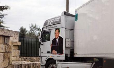 Arcore da bere. Trent'anni di pubblicità italiana dal regansimo e thatcherismo a Berlusconi