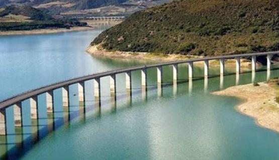 Occhito. Lago fascinoso tra Puglia e Molise