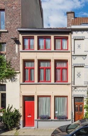 Sint-Katelijnestraat 42. Foto: Michel Vuijlsteke, juni 2016.