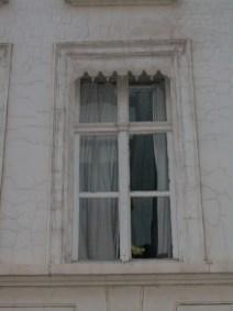 Baudelostraat 55 - detail: op de verdiepingen zijn nog de oorspronkelijke ramen uit 1787 aanwezig - Foto: Dirk Bonquet, juni 2003.