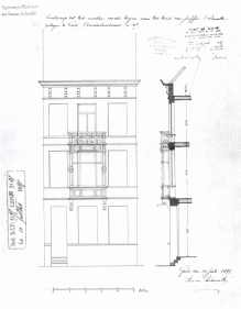 voorgevel -vierde kwart negentiende eeuw - SAG G12 1897-B37 (1897) - aanvraag voor het plaatsen van een houten loggia met bekronend balkon op het reeds bestaande huis door juffer Delmotte. Beeld: Stadsarchief Gent, opname: 1995